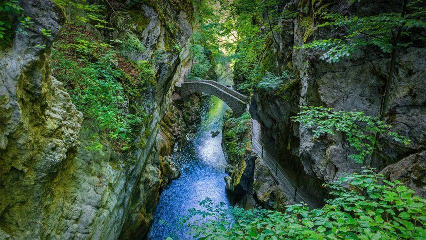 「アルーズ渓谷のブロの石橋」スイス, ヌーシャテル州