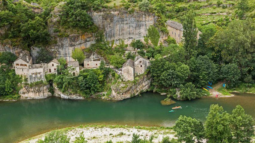 「タルヌ峡谷」フランス, サンテニミー