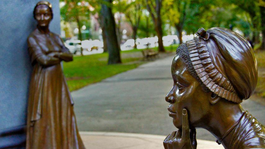 「ボストン女性記念碑」米国マサチューセッツ州