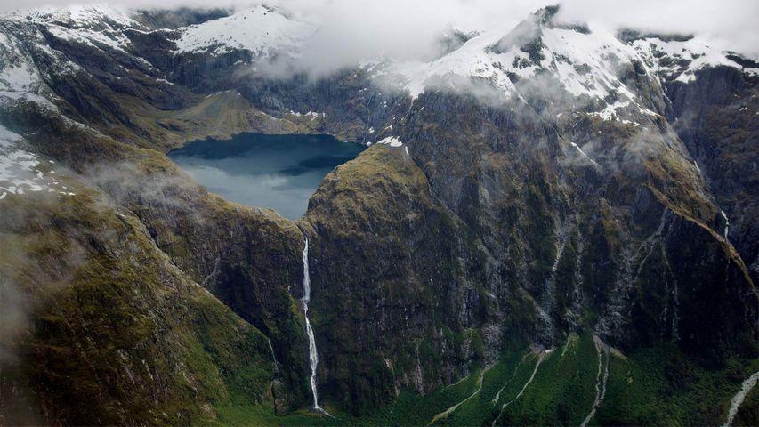 「サザーランド滝」ニュージーランド, クイル湖