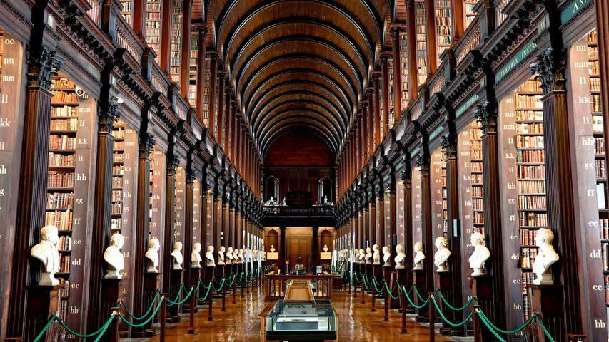 「トリニティ・カレッジ図書館」アイルランド, ダブリン