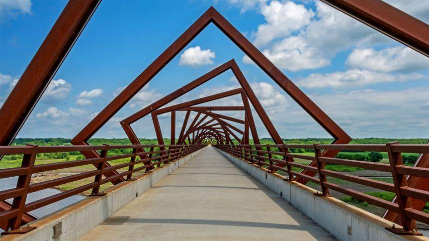 「ハイ・トレッスル・トレイル橋」米国アイオワ州