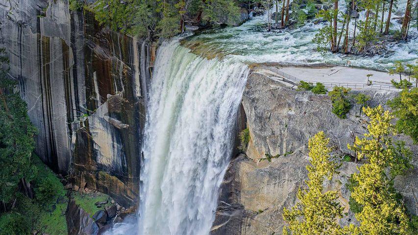 「バーナル滝」米国カリフォルニア州, ヨセミテ国立公園