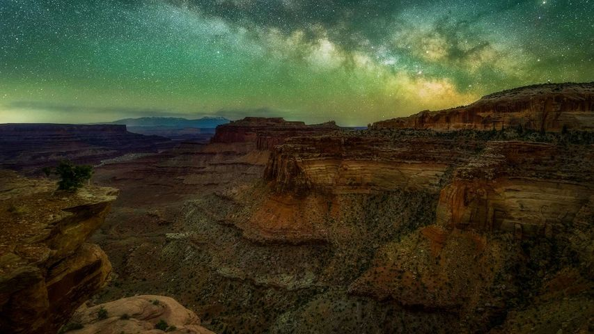 「キャニオンランズ国立公園の天の川」米国ユタ州