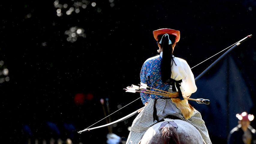 「演武の準備をする流鏑馬の騎手」東京, 明治神宮